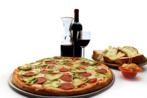 Combo Familiar + Vino $21.90. 1 pizza jumbo de 2 ingrediente a escoger + 1 orden de 5 panes con ajo y queso mozzarella + 1 botella de vino